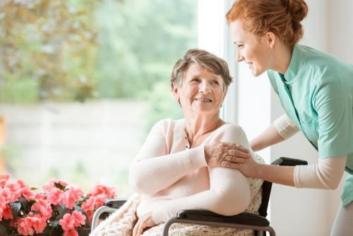 Jak wybrać odpowiedni dom opieki dla seniora?